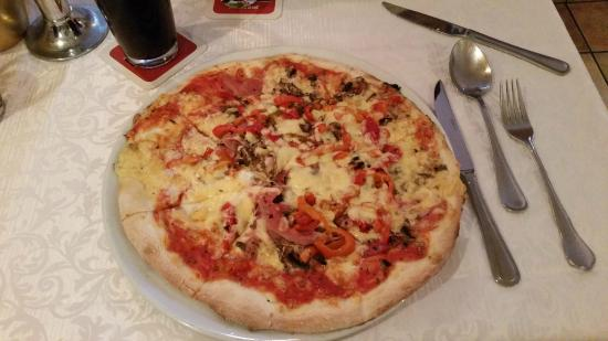pizzabrot mit tomate und knobauch picture of roma