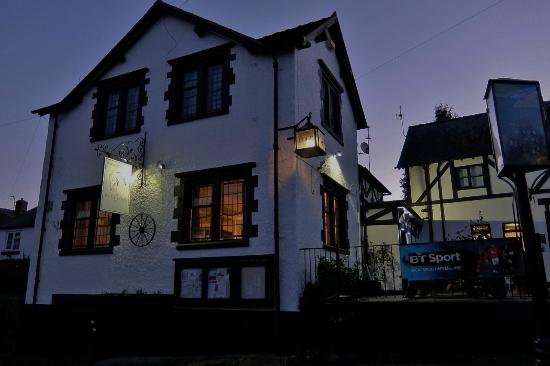 The White Horse Inn: 外観