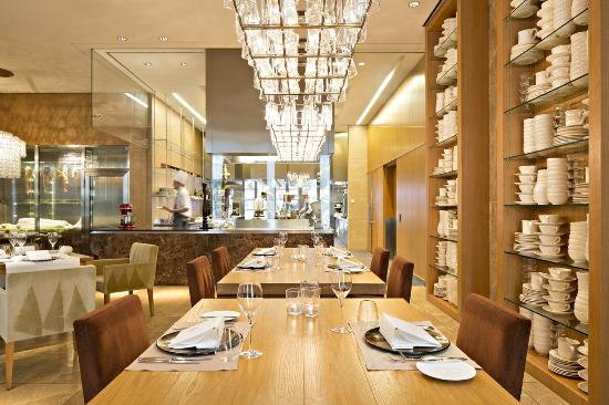 Jumeirah Frankfurt: Restaurant Max on One