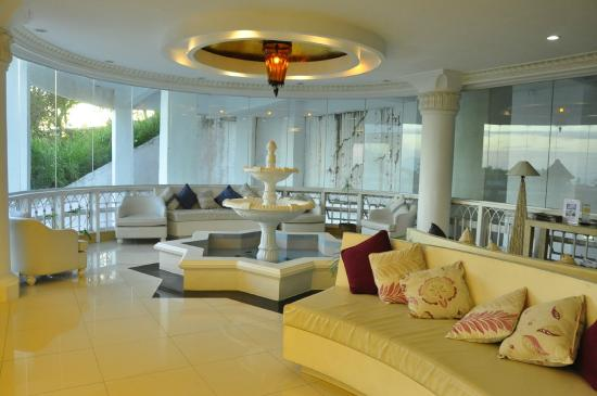 Estancia Resort: hotel lobby