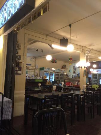 Lucky Tom's: Kata's most charming little restaurant :)