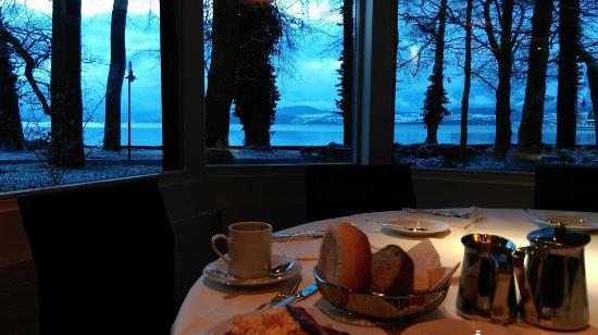 Congress Hotel Seepark: Breakfast in hotel, by thun lake