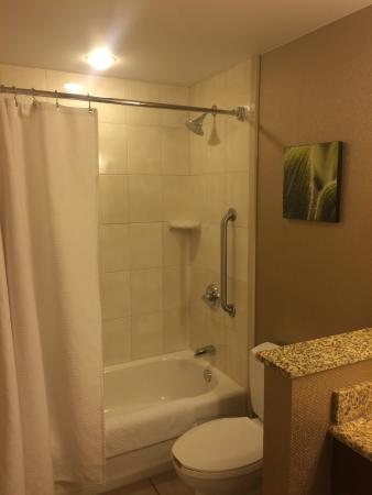 Bathroom Picture Of Chicago Marriott Midway Chicago Tripadvisor