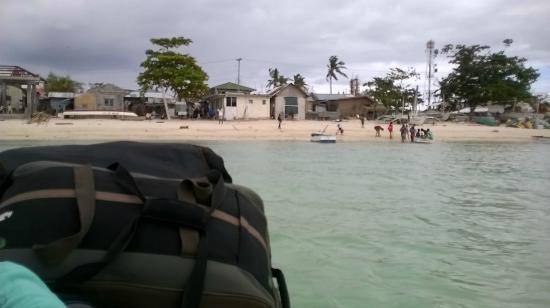 Logon Beach: docking area
