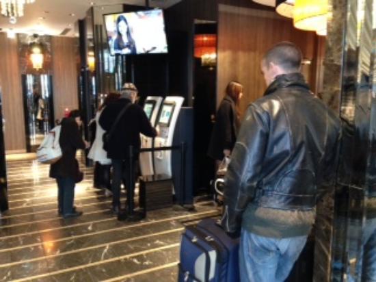 APA Hotel Higashi Shinjuku Ekimae : 外国人が多かった