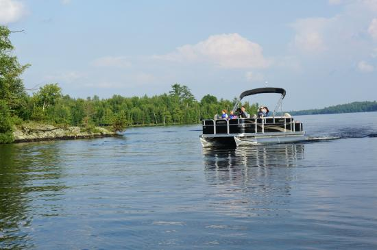 White Eagle Resort on Lake Vermilion: Pontoon boat rentals great for family fishing
