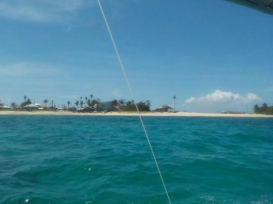 Guimbitayan Beach: lato ovest dal mare