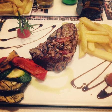 Elio's Burgers & Grill