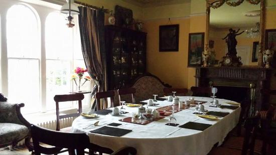 Mullaghmore House B&B: Breakfast is served here