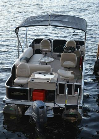 White Eagle Resort on Lake Vermilion: Pontoon Boat rental