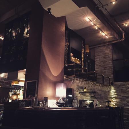 Emilies Eld Restaurant & Bar : Baren