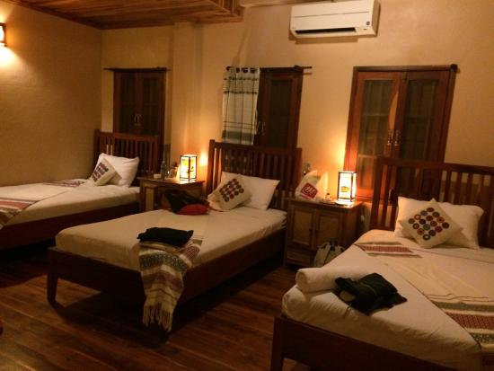 Lao Lu Lodge: My triple room #205