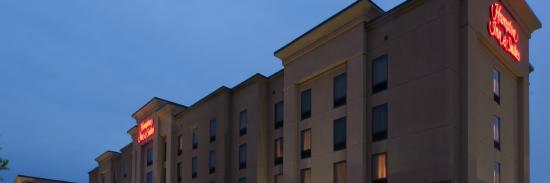 Hampton Inn & Suites Winston-Salem / University Area: Exterior