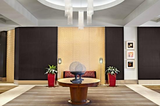 Sheraton Cavalier Hotel: Lobby