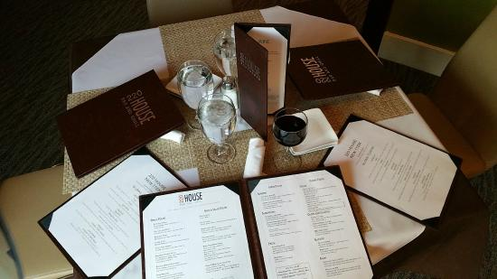 Hotel Harrington: Great menu at 220 House Bar & Grill