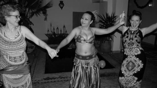 Riad Timila : Belly Dancing lesson in the Riad