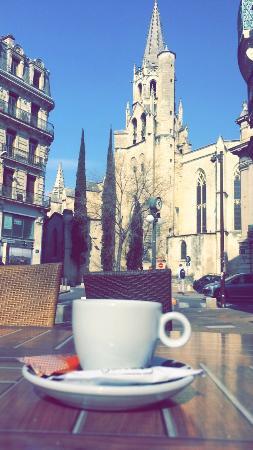 Tapenade Café : Cafe en terrasse.. Vue superbe!!