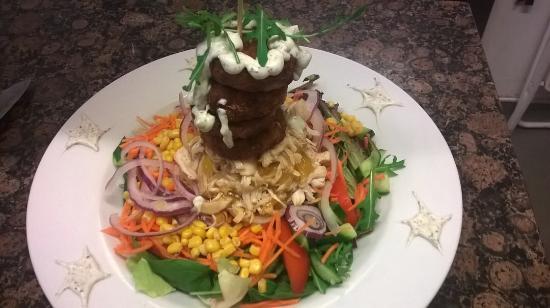Chelle's Deli: Chicken and onion bhaji salad