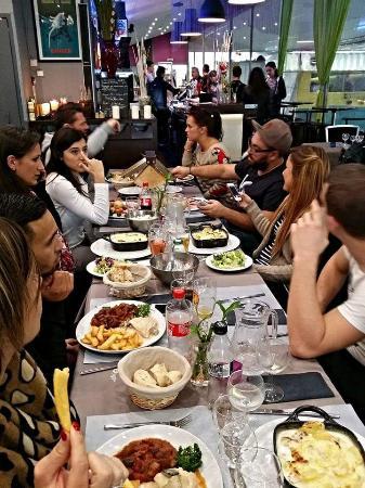 Le bakaglace avignon restaurant bewertungen for Dinner entre amis