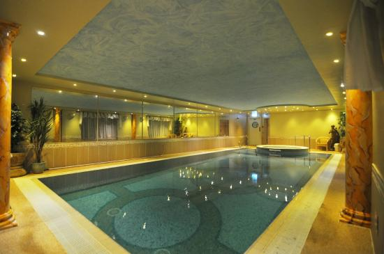 The Feathers Hotel: Relax and Unwind in our Jacuzzi, Steam Room or Pool