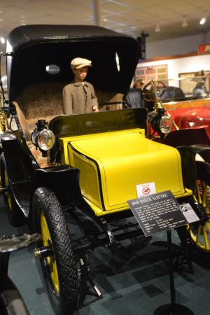 The Car and Carriage Caravan Museum : Electric car
