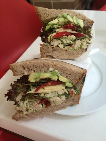 Playfair Cafe: Chicken Sandwich