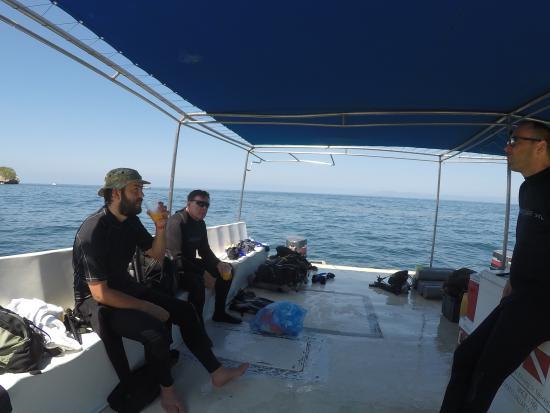 Chico's Dive Shop: Dive boat