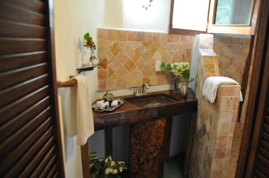 Jolie Jungle : Baño Bungalo Queen Size