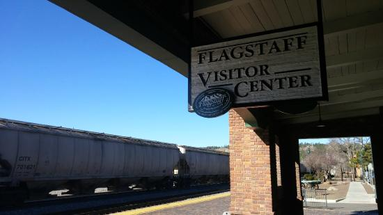 Flagstaff Visitor Center: Train passing by