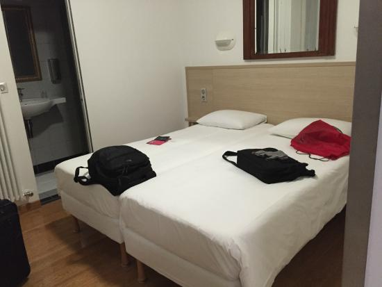 Hotel Darcet: Bed area of our room