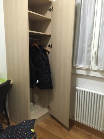 Hotel Darcet: Closet in the vestibule to our room