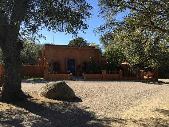 El Rancho Robles: Beautiful accommodations and buildings for meetings and events