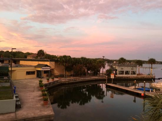 The Port Hotel and Marina: Love this place