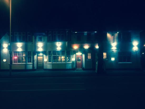 The Cinnamon Lounge: New lighting