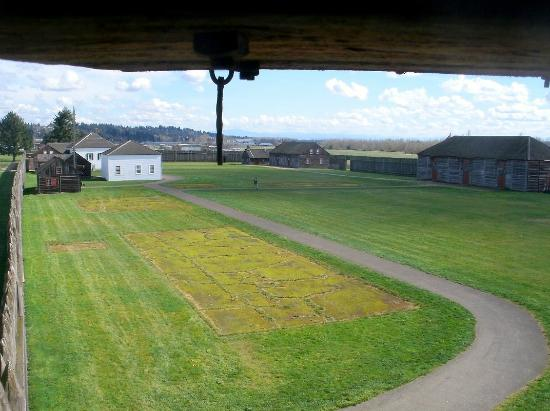 Vancouver, WA: View from inside turret toward fort