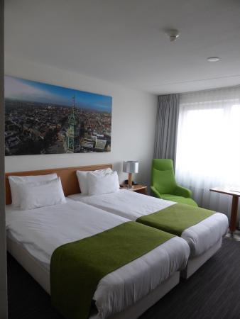 NH Groningen: Bedroom
