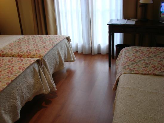 Bufon de Arenillas Hotel: Habitacion para tres personas
