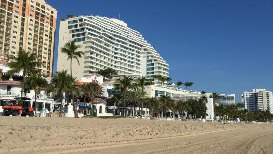 Las Olas Beach The Hotels Restaurants And S Across A1a