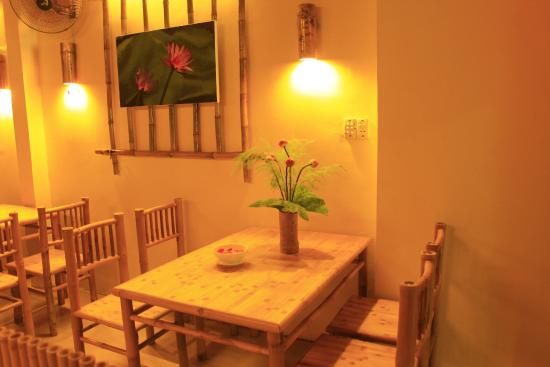 Huong Sen Vegetarian Restaurant: Cozy space