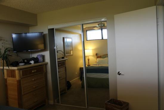 Kahana Villa Resort: Closet