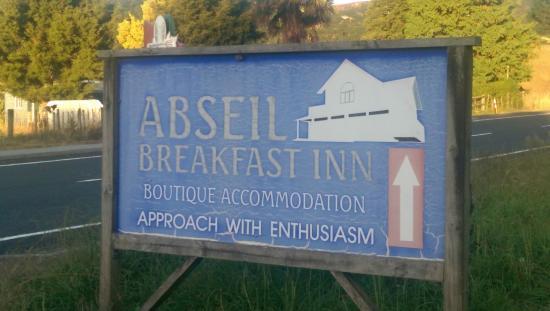 Abseil Breakfast Inn: look for this sign