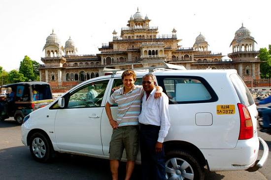 ‪India Private Chauffeur - Day Tours‬