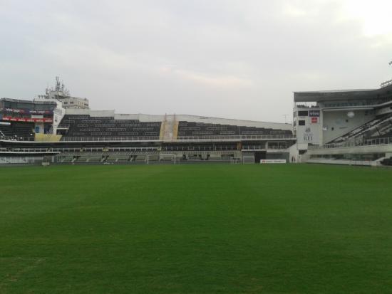Urbano Caldeira Stadium: Campo da Vila Belmiro
