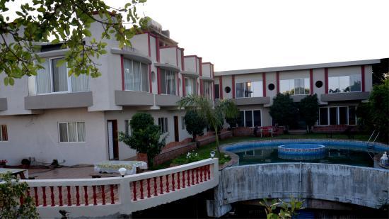 SVInns Dwarkadhish Resort: Exterior