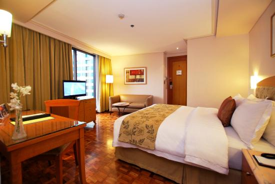 Executive Deluxe Queen Picture of City Garden Hotel Makati