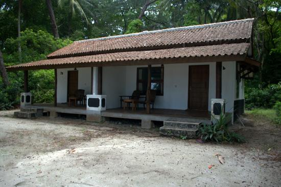 Alam Kotok Island Resort: Superior room (looks ok from a distance)