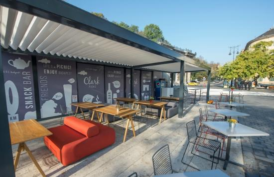 Clark Picnic Café and Bar Terrace