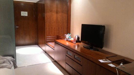 DoubleTree by Hilton Hotel Pune - Chinchwad : Room view inside