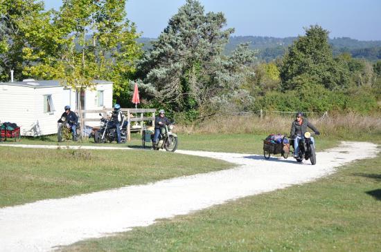 Camping Puynadal : WE en sept : moto vintage