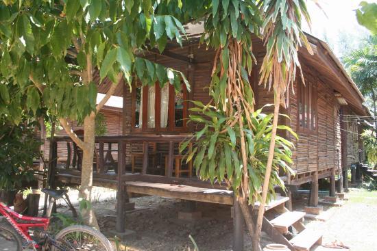 Banana Garden Home: Outside our Bungalow